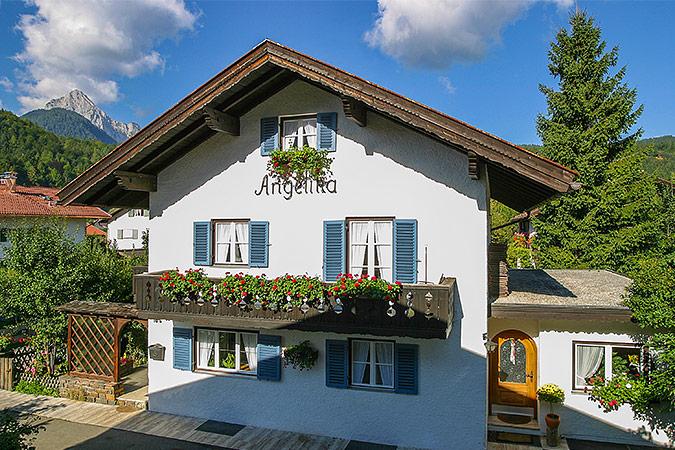 Herzlich Willkommen Im Ferienhaus Angelika In Mittenwald